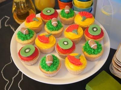 Kiwiana cupcakes at a Kiwi themed kids party. Ka pai!!!!
