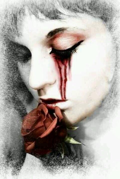 Картинка руки небо плачет кровью от скуки