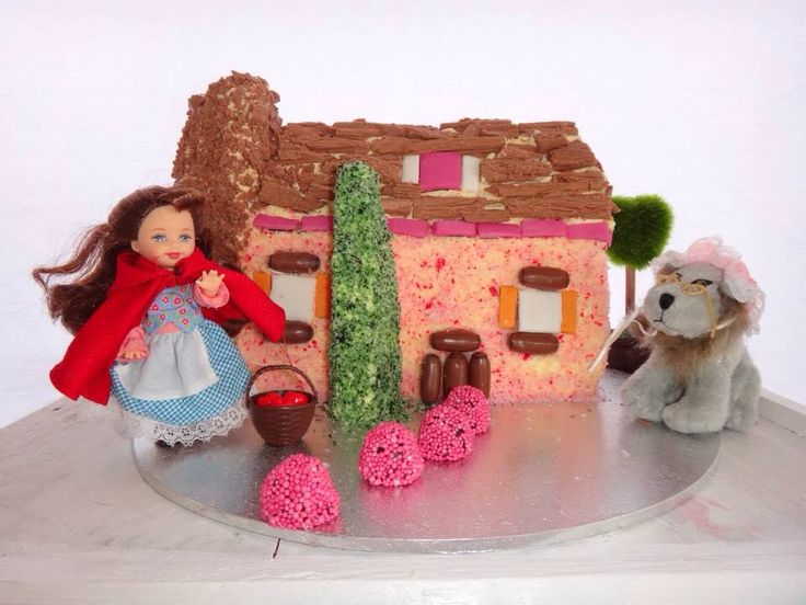 Grandmas cottage cake - red riding hood. Women's weekly birthday cakes
