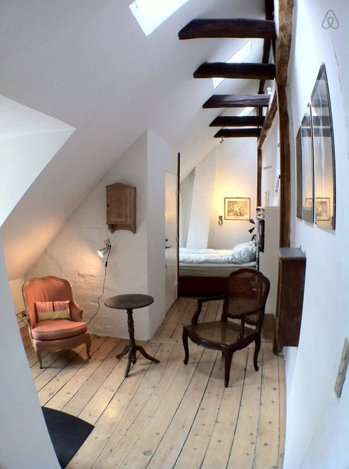 Copenhagen Air B&B - Where to stay - beautiful and charming room in historical building.