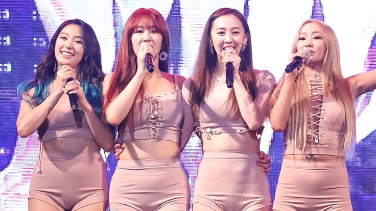 Fans are Not Happy with SISTAR`s Inappropriate Outfits during Live Concert