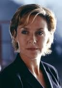 Amanda Burton (October 10, 1956) British actress, o.a. known from the series of Silent Witness.
