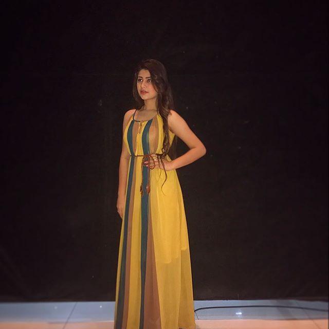 Styled by @stylebysugandhasood  Outfit by @flyrobe