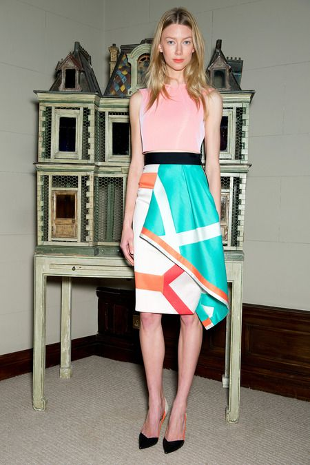 My 8 Faves From the Roland Mouret Resort 2015 Collection   http://toyastales.blogspot.com/2014/08/my-8-faves-from-roland-mouret-resort.html