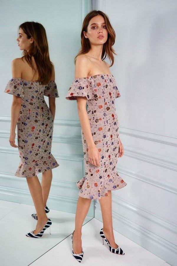 Модные женские платья 2018-2019 – тенденции, фасоны, новинки и фото ... 29f3faee2a6