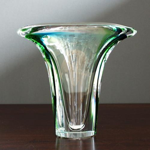 kosta boda verde vase
