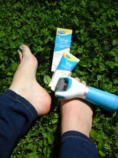 Ne relaxam la aer, la iarba verde si in acelasi timp ne pregatim si picioarele pentru sandale..