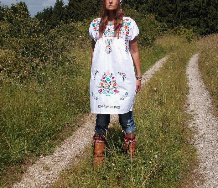 Minikleider -  S *WHITE SNOW* Blumen Boho Mini Kleid bestickt  - ein Designerstück von santa-fee bei DaWanda