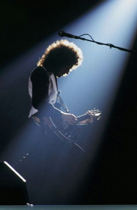 Brian May photo by Robert Alford