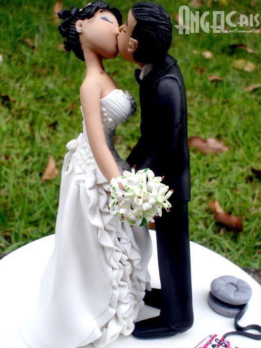 noivinhos beijando