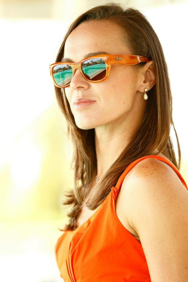 Sunglasses Maui Jim by Martina Hingis with polarize 2 plus. #mauijim #martinahingis #sunglasses http://lenshop.gr/manufacturers/11709-maui-jim/sunglasses