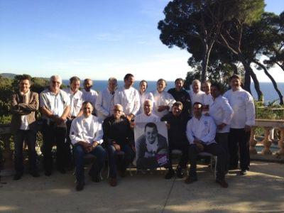 20 chefs varois aux fourneaux pour les Restos du Coeur : http://www.lhotellerie-restauration.fr/journal/restauration/2013-10/20-chefs-varois-aux-fourneaux-pour-les-Restos-du-Coeur.htm