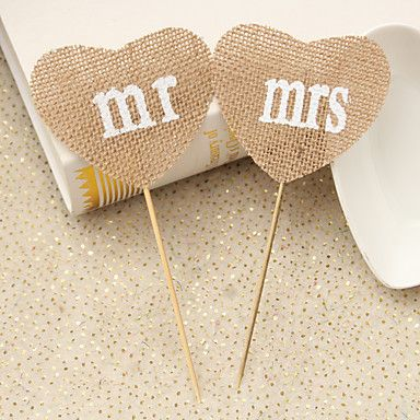 Such a brilliant idea to add these awesome place holders for a boho wedding! Click to get yours for $1.99 <3