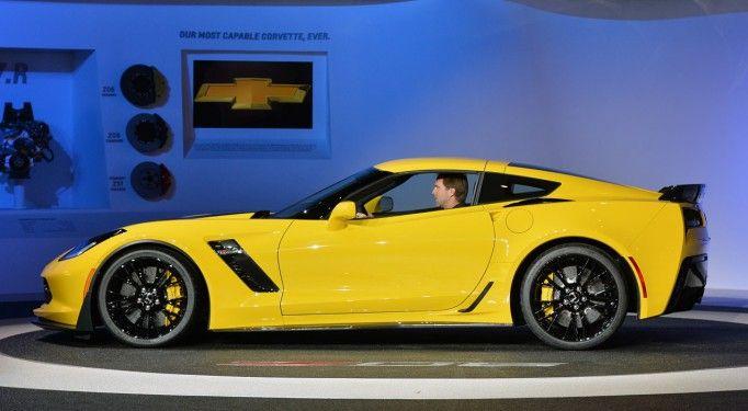Chevrolet OnStar 4G LTE Teknolojisi ile Sürücülere Sorunları Önceden Bildirecek. OnStar 4G LTE teknolojisi öncelikli olarak 2015 ve 2016 model Chevrolet Equinox, Suburban, Tahoe, Corvette, Silverado ve Silverado HD'lerde kullanılması bekleniyor.