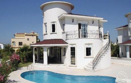 Belek-Antalya  Deze fraaie villa met de naam Bella Village is iets heel bijzonders. Het nieuwe wondermooie en in Spaanse stijl opgetrokken vakantiehuis met airco ligt op een verzorgd tuinperceel met sierplanten en gazon. Het is zeer mooi en decent ingericht. U droomt weg aan het privé-zwembad met ligstoelen en parasols. Op de bovenverdieping is er vanuit de slaapkamers van de ouders toegang tot het terras. Op het terras leidt een trap naar het zwembad beneden. Dit bijzondere huis voldoet aan…