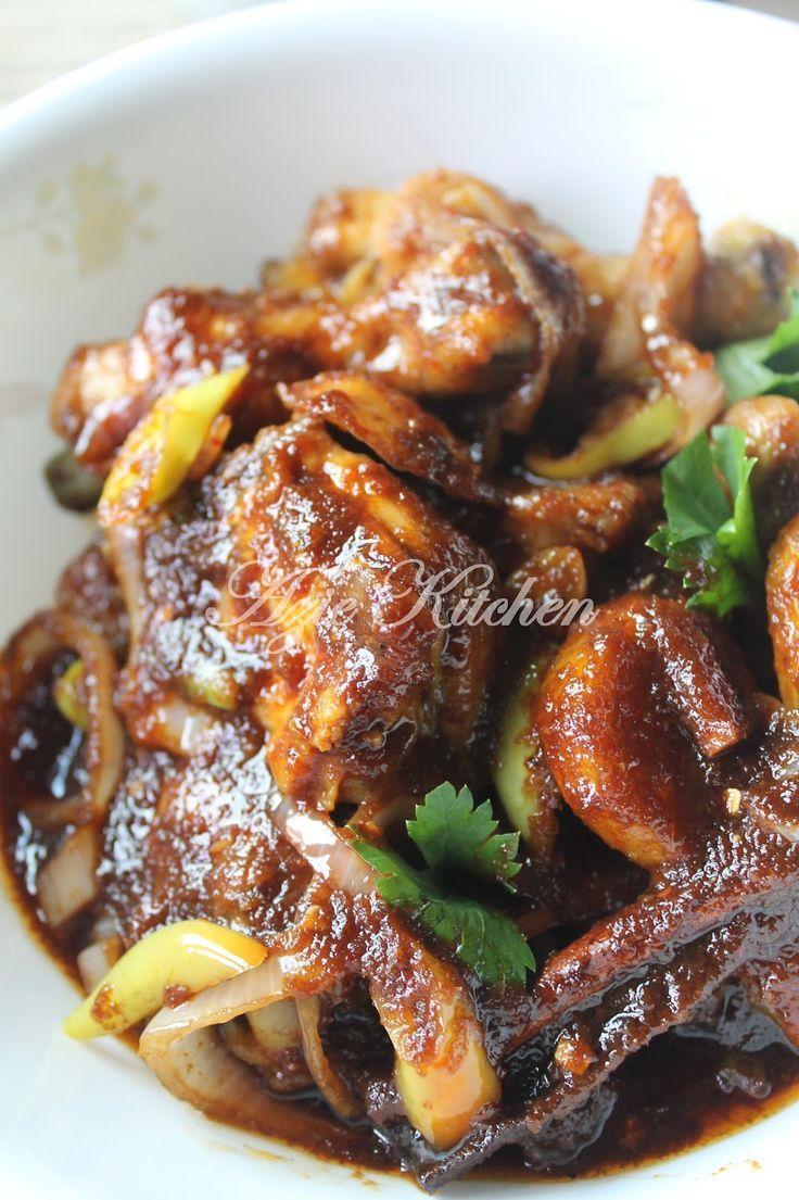 Azie Kitchen: Ayam Masak Kicap Pedas Yang Sedap
