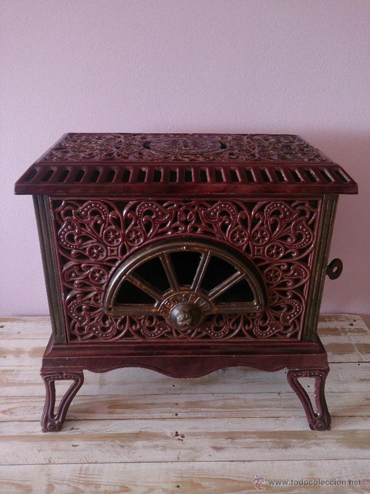 Antigua estufa cocina modernista de hierro y porcelana - Estufa de hierro ...