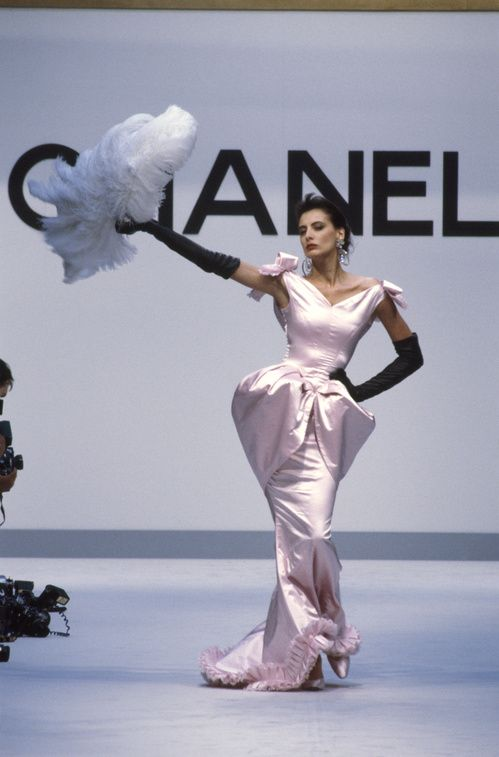 Flashback : Inès de la Fressage, mannequin aux défilés Chanel