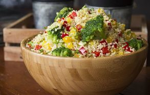 Recipe thumb akis petretzikis quinoa salad