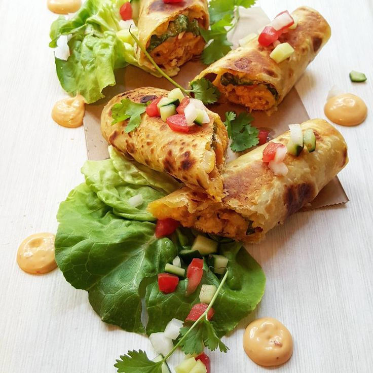 Roti Wraps: Recipe https://www.instagram.com/p/-mG6neRZPJ/?taken-by=naqiyah_mayat