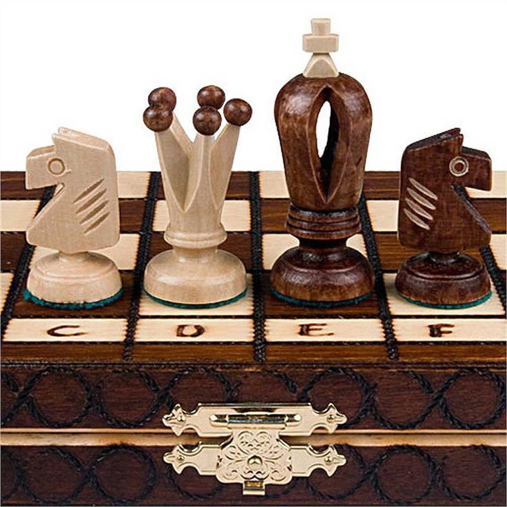 Elegant Royal 30 Chess Set   11 3/4 X 11 3/4
