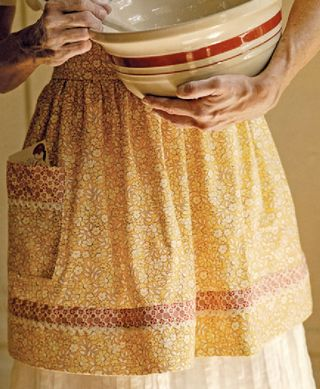 Crafternoon project: DIY farmhouse apron from Gooseberry Patch
