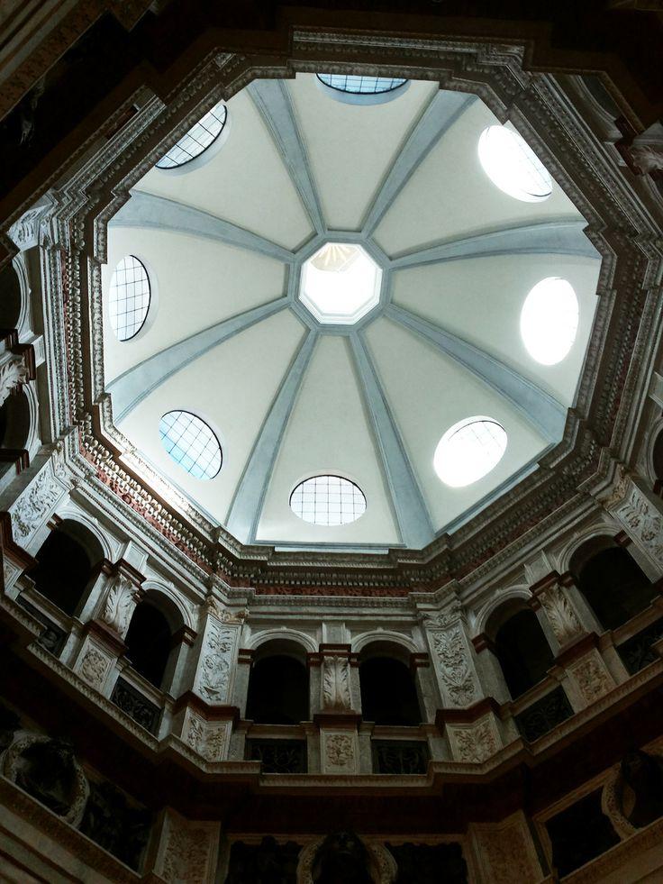 Bramante, Santa Maria presso San Satiro, sagrestia. Milano.