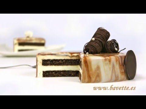 Tarta tiramisú con glaseado marmolado de chocolate. Video tutorial.