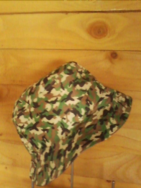 Green camo reversible denim bucket hat