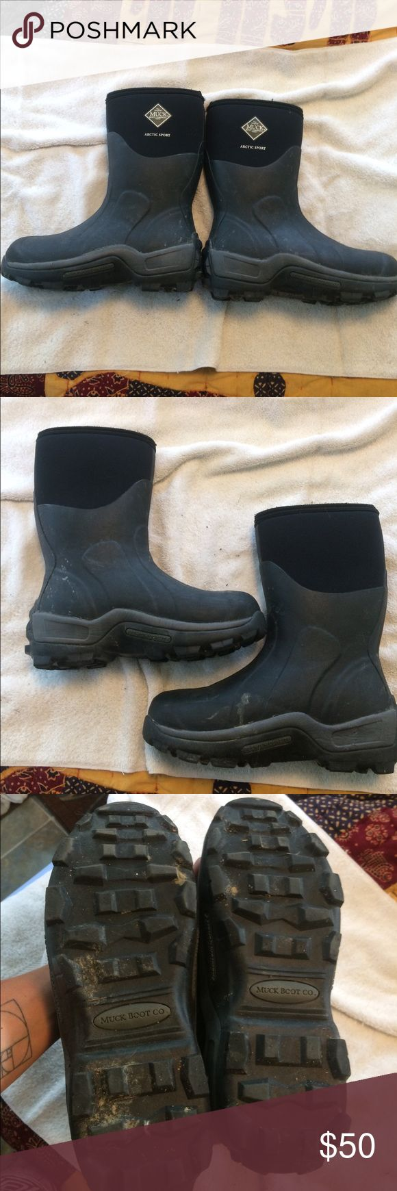 Muck boots. Used and clean inside original arctic sport Muck boots. Unisex women's size 9-9.5 or men's 8/8.5. Sorry about a little dirt still on the soles. Muck Shoes Winter & Rain Boots