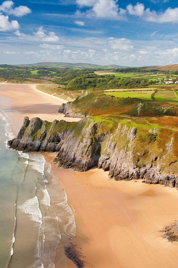 What to Do in Wales: Your Ultimate 7-Day Itinerary - When you think of the U.K., London is probably the first place that comes to mind. But England's next-door neighbor, Wales, is an underrated gem worthy of its own trip. Just picture: windswept coastlines, medieval castles, rolling sheep-dotted countryside, mountainous parks, and a young, up-and-coming capital. We've mapped out your perfect week in Wales.