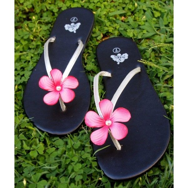 Pink Hawaii Luau Flower Sandals (63 BRL) ❤ liked on Polyvore featuring shoes, sandals, pink flower shoes, flower shoes, blossom shoes, pink shoes and flower sandals