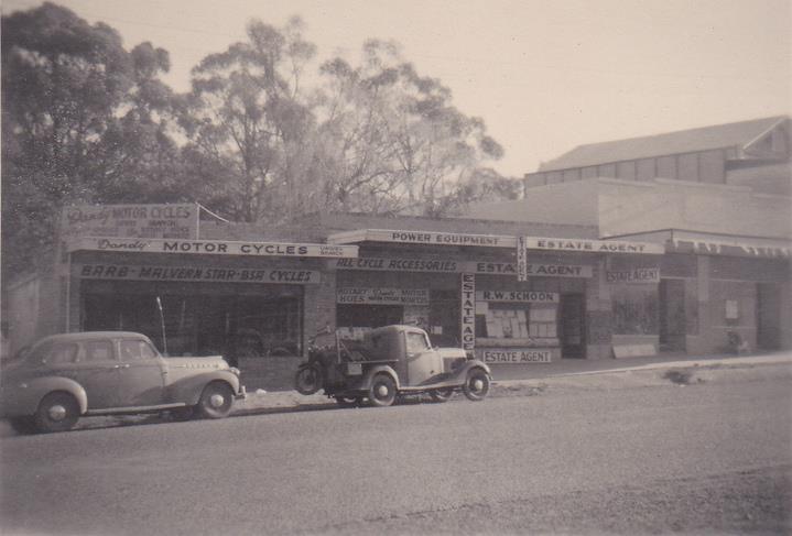 Upwey Main Street (1952)