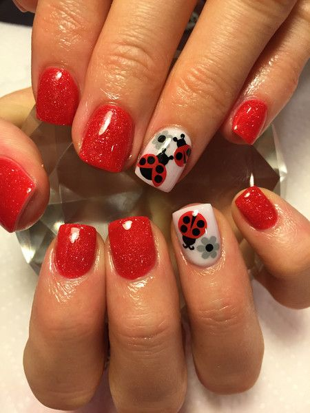 40 Ladybug Nail Decals | 18 small | 22 large Application: 1.Apply black ladybug body to nail 2.Apply red wings over the black body 3.Apply black dots to wings o
