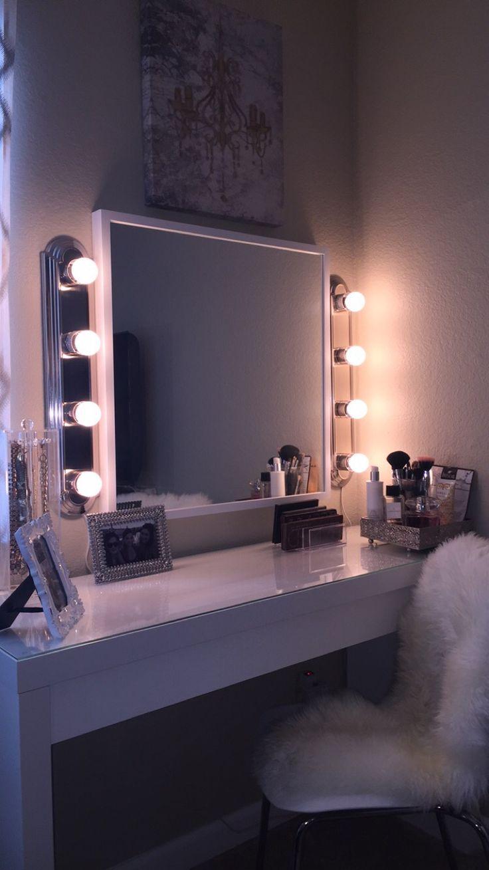 White Vanity Home Decor In 2019 Bedroom Decor Bedroom