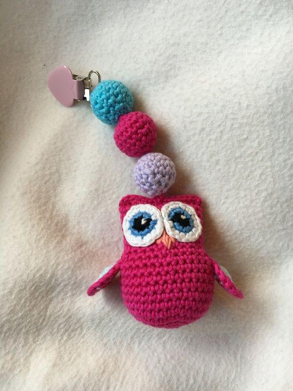 Søt vognpynt med bjelle. Rosa, blå, turkis, lilla. Lys rosa clip. Passer perfekt til barnevognen, til barnesengen eller som en ...