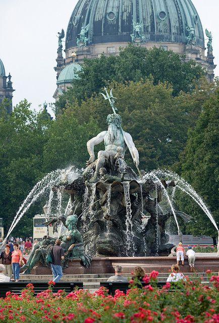 ღღ Neptunbrunnen und Berliner Dom   Neptune Fountain and Berlin Cathedral by visitBerlin, via Flickr