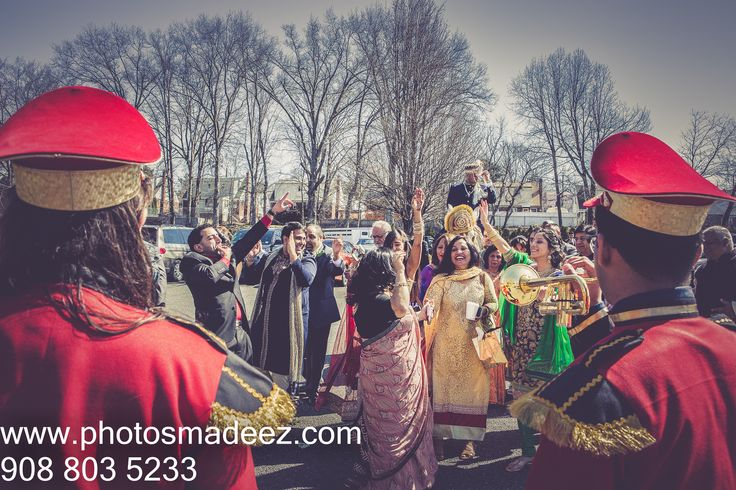 Baraat for the Punjabi Groom at The Venetian NJ - Indian Wedding. Hindu Wedding Baraat - Best Wedding Photographer PhotosMadeEz, Award winning photographer Mou Mukherjee. Along with DJ USA, Raj Daffu from DHOL BAND BAJA and KM Events Featured in Annual Issue of South Asian Bride Magazine 2015