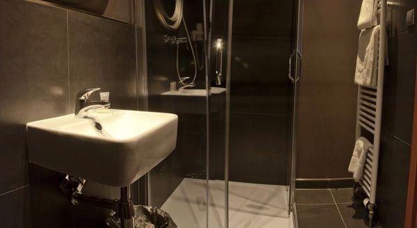 Koupelny v hotelu Rango v Plzni