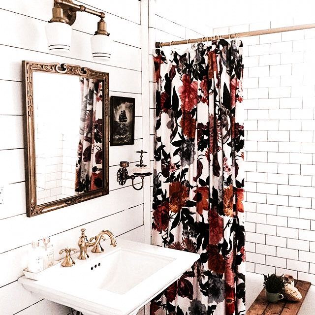Pretty floral on black and white bathroom