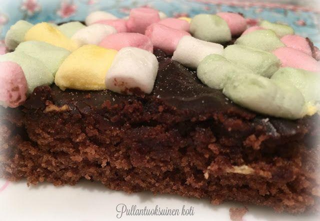 Pullantuoksuinen koti: Vaahtokarkkimokkapalat. Marshmallow brownies, so delicious! Find the recipe on my blog!