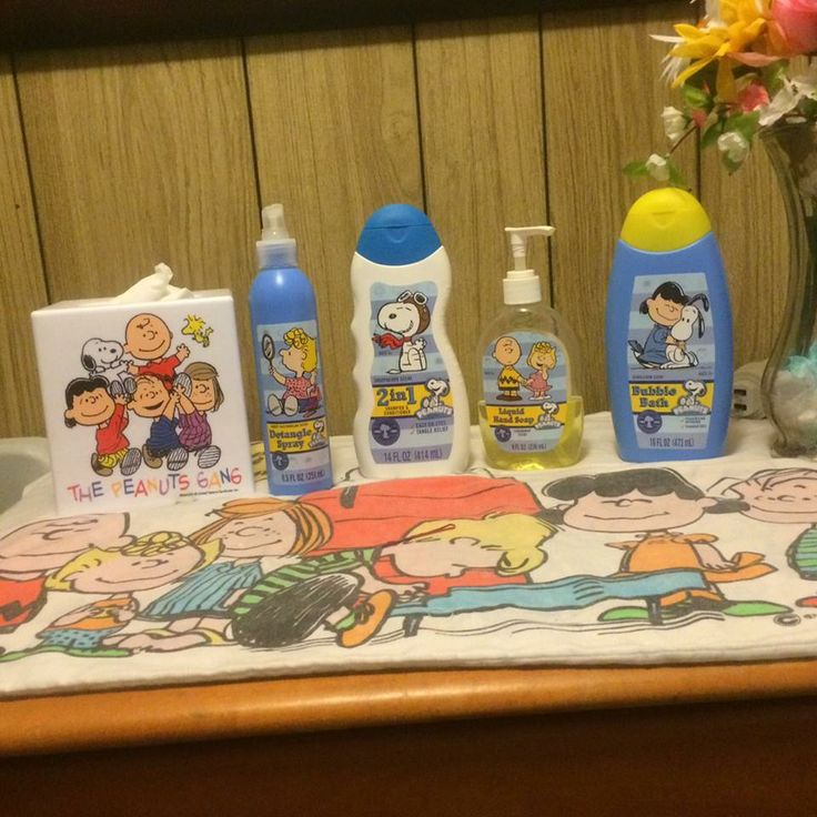 Paula takes us on a tour of her newly redecorated Peanuts bathroom  Share  her journey. 106 best Share Your Snoopy Room  images on Pinterest   Peanuts