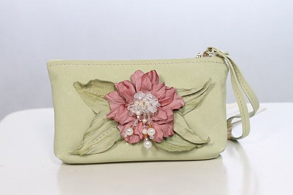Leather Flower Small Light Green Clutch art.S59req43452 by meudeus, $119.00: