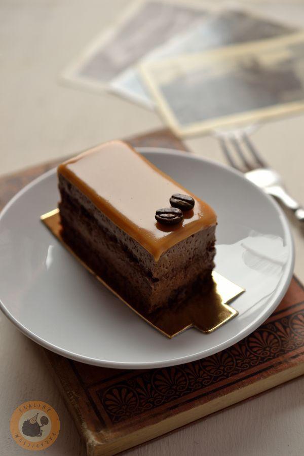 Baileys & hazelnut mousse cake