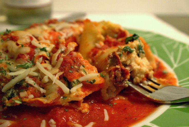 Stuffed shells, Shells and Spinach on Pinterest