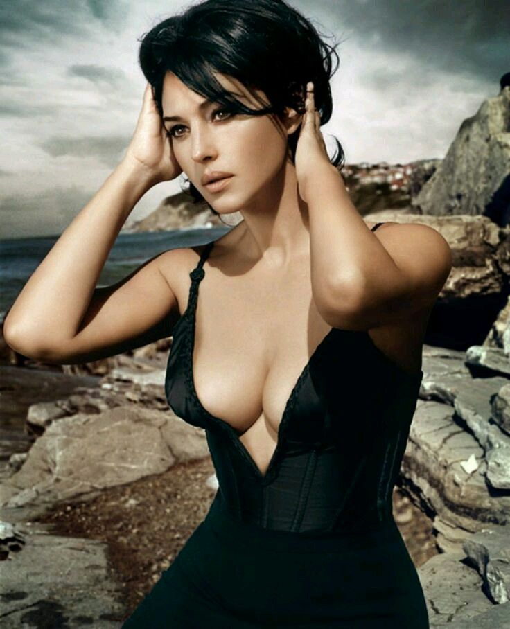 The Hollywood star monica bellucci hottest pics collection where you can see sexy exposed show of her beauty.Her big mellons are slips and c...