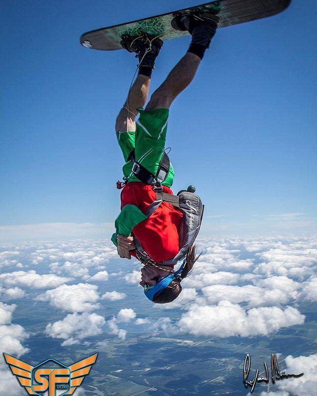 Skysurfing!  @raymondadamsimagery #skysurf #skydive #adventure #summer #crush2016 #illinois #chicago #sky #midwestlife #clouds