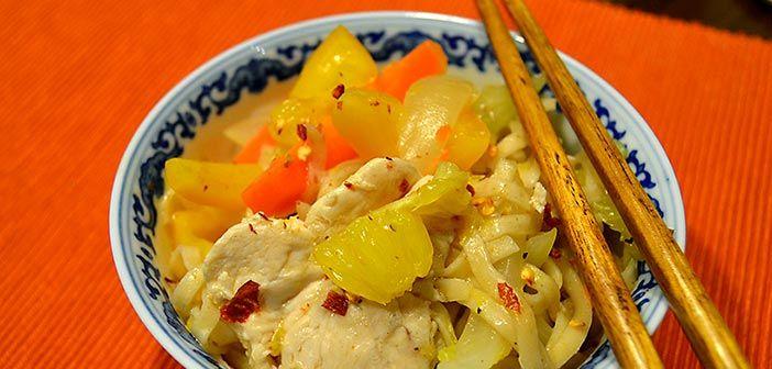 Tämä wok on raikas kuin aurinkoinen päivä. Appelsiinikanan voi tehdä myös possusta tai jopa ankasta.