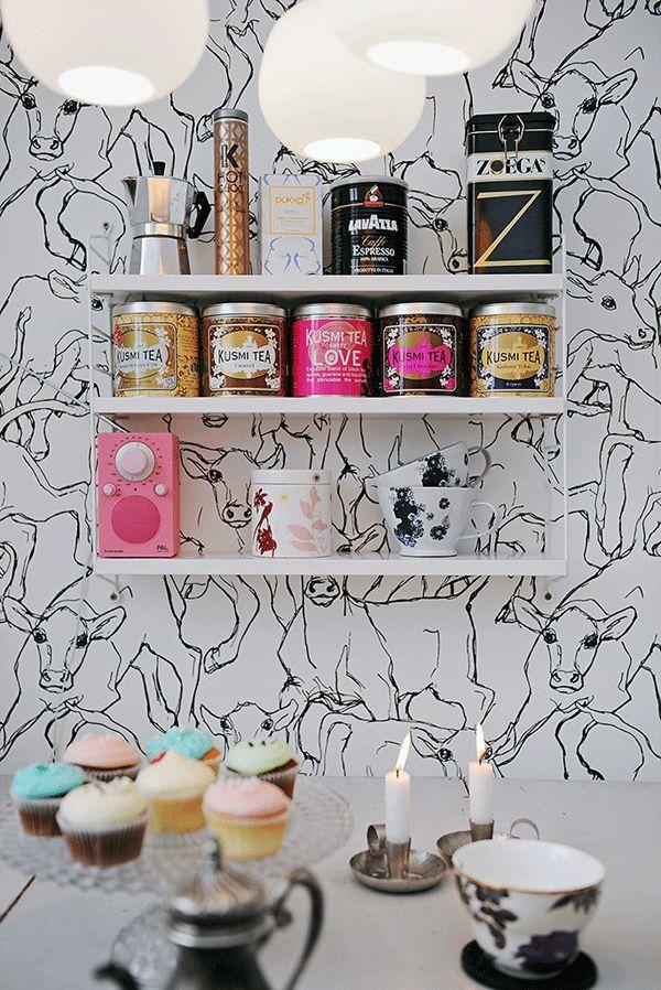 String pocket shelving and Marimekko Iltavilli wallpaper produced by Sirpi.
