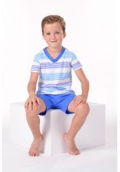 Pijama para niño.LOHE. Pijama estampado en rayas de manga corta, cuello pico. Pantalón corto liso.  #pijamaniño #LOHE